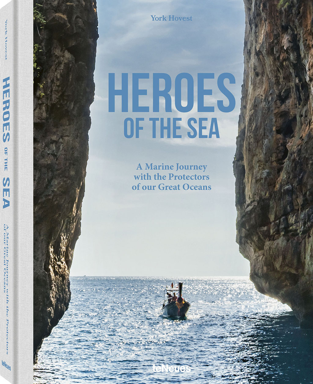 "Photo News Digest: Andres Gonzalez Receives 2019 Photobook Award Recipient, ""Heroes of the Sea"" And More"